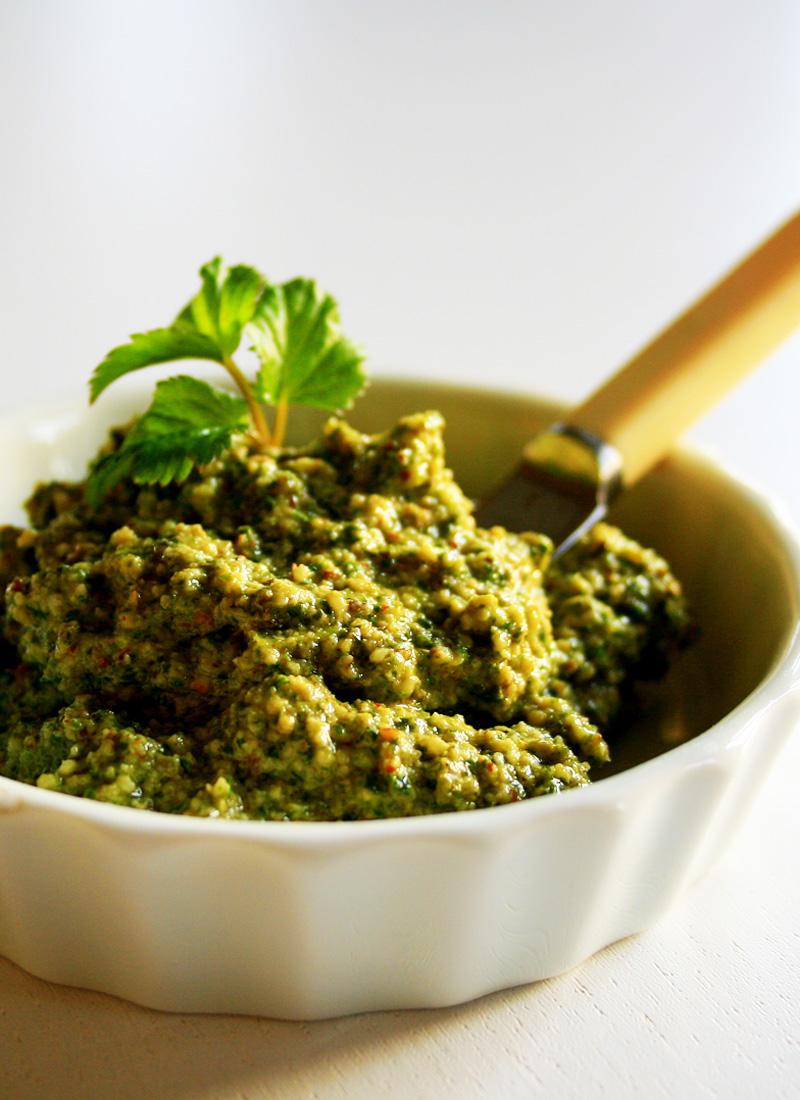 Pesto Med Skvalderkål Og Ramsløg